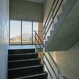 大竜ハイツ (寮舎-階段)