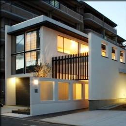 大徳寺の家 (外観-夕景)