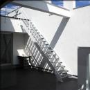 2階テラスに上がる階段