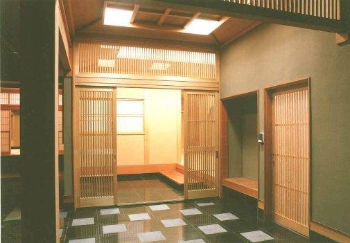 小森邸の部屋 気品あふれる玄関