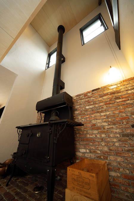 O邸(リフォーム物件)の部屋 薪ストーブ