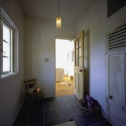 住宅作品2 (玄関からリビングへ)