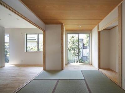 池田の耐震リフォーム (リビング内の和室(撮影:平井美行))