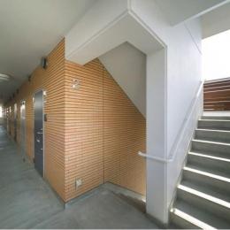 H3-Housing (マンション階段)