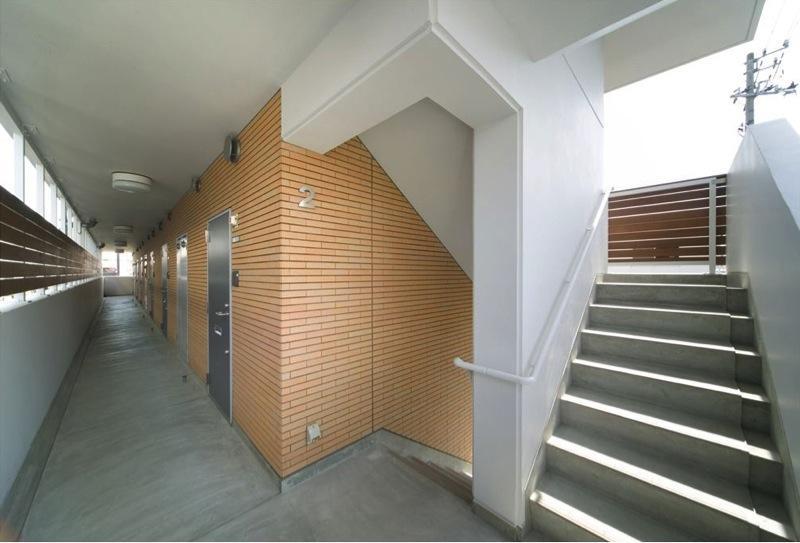 H3-Housingの部屋 マンション階段