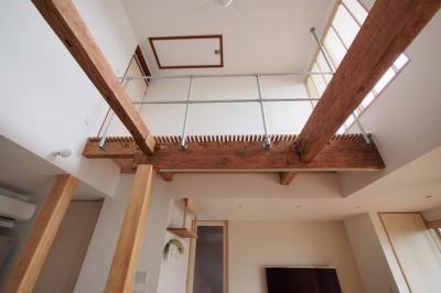 既存の梁と柱 (石上の家(リノベーション))