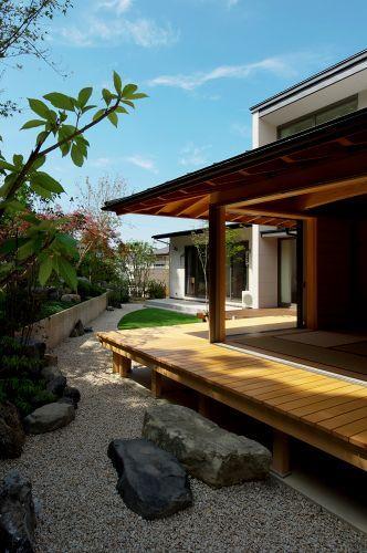 知多の家の部屋 和室と庭