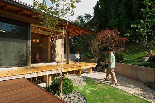 知多の家の部屋 癒しの庭