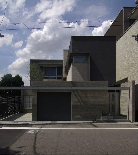 橦木の家の写真 重厚感のある外観