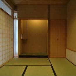 橦木の家 (リビング内の和室)