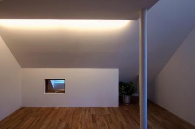 子供室 (スキップフロアがつくる快適空間 (白金の家))