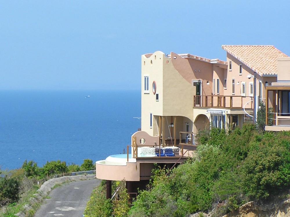 建築家:トリーニ ヤコポ「心躍る週末を過ごす瀬戸内海の絶景別荘」