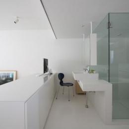 大倉山のマンション_リノベーション (書斎コーナー・洗面・浴室)