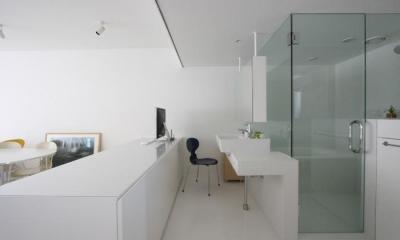書斎コーナー・洗面・浴室|大倉山のマンション_リノベーション