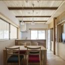 花園の家/スケルトン・リノベーションで耐震・断熱改修も行った和風の住まいの写真 ダイニングキッチン(撮影 : 母倉知樹)