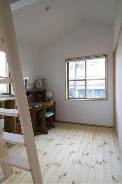 子供部屋(撮影 : 母倉知樹) (花園の家)