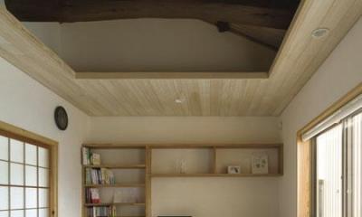 ワークスペースのあるベッドルーム(撮影 : 母倉知樹)|花園の家