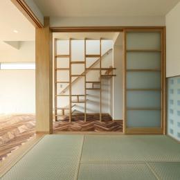 Y's residence (和室から階段を見る)