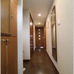 H様邸「マンションまるごとリフォーム」 (玄関からリビング入口への廊下)