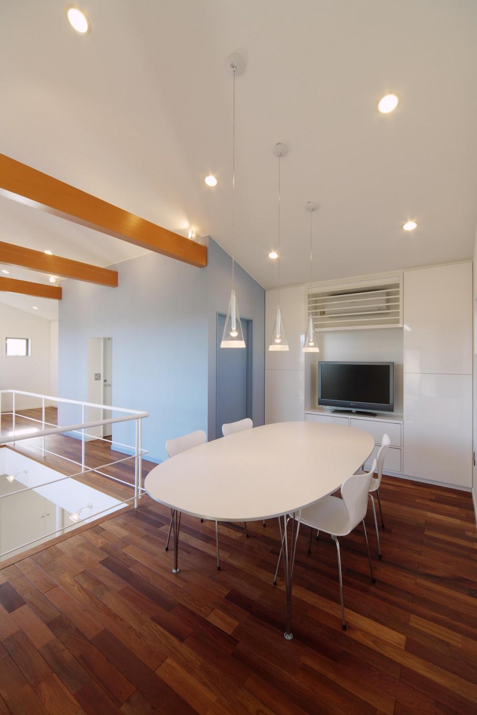 建築家:広野 有一「川を望む家」