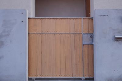 門扉 (戸手本町の家 ー リノベーション)