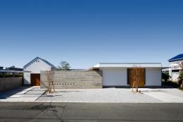 中庭のある家~光と風の通るガレージハウス~ (外観(撮影:中村絵))