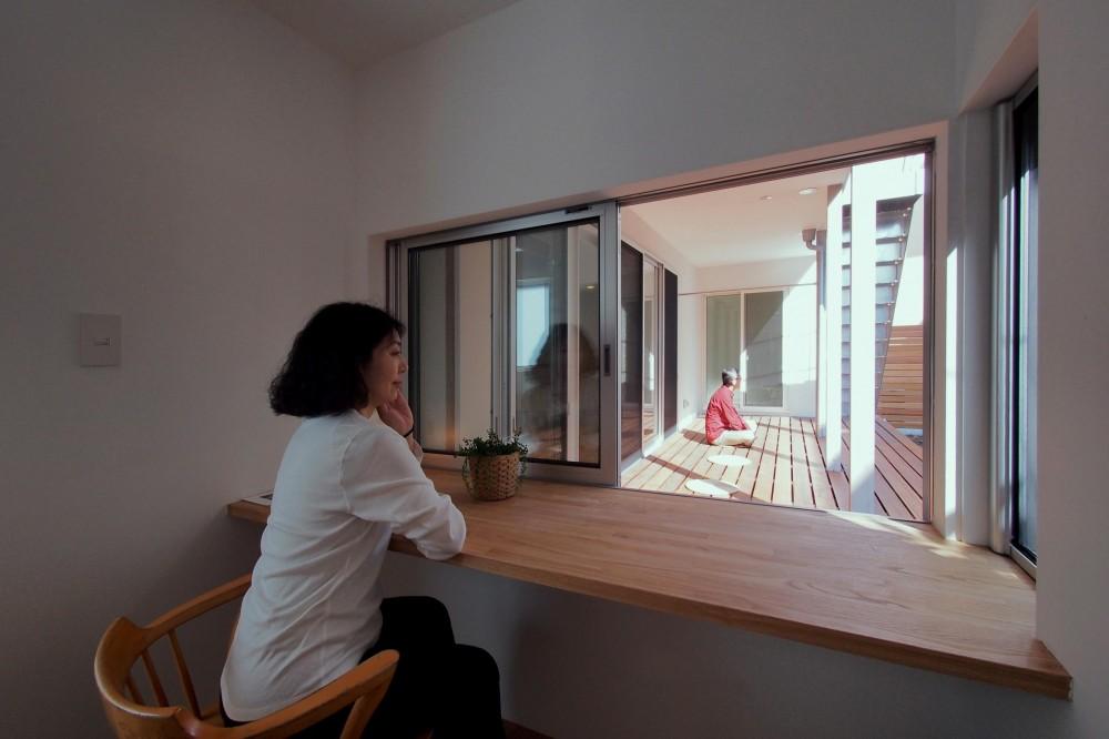 戸手本町の家 ー リノベーション (趣味の部屋より広縁を見る)