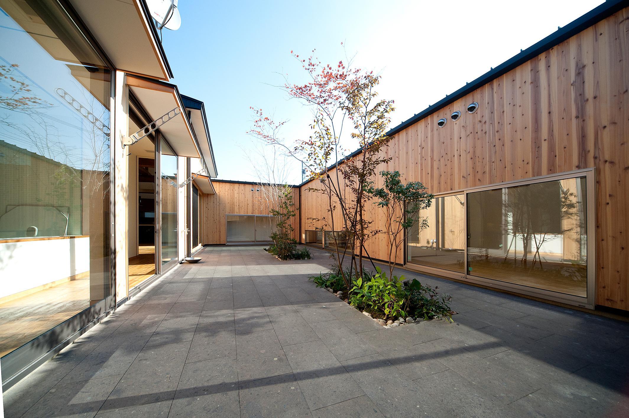南浅田の家~大きな中庭のある家~の部屋 中庭