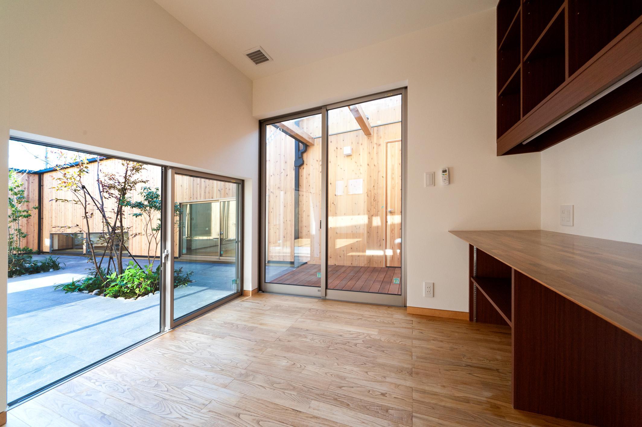 南浅田の家~大きな中庭のある家~の部屋 書斎