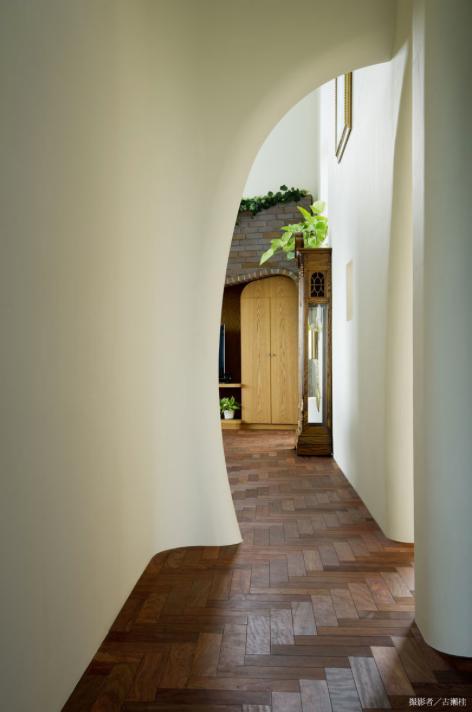界川の家の写真 廊下(撮影:古瀬桂)