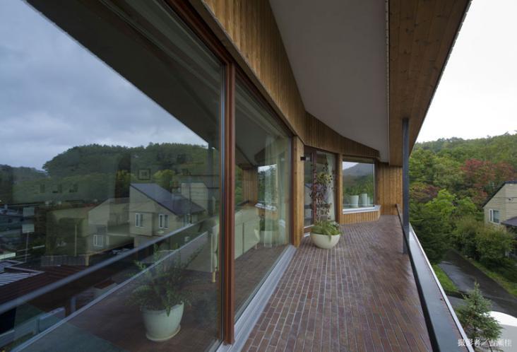 界川の家の写真 ルーフテラス(撮影:古瀬桂)