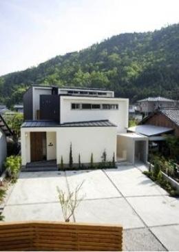 岩崎の二世帯住宅 (外観1(撮影:EIICHI TAKAYAMA))