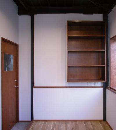 スタジオ 事務室兼応接間 (倉庫がスタジオに生まれ変わった元町の家)