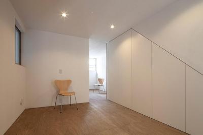 白糸台の家 (1階フリースペース(撮影:平井広行))