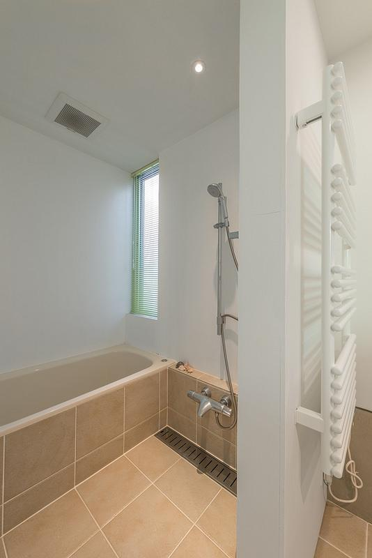 N/HOUSEの部屋 浴室(撮影:布施貴彦)