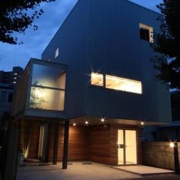 光遊の家 (外観-夜景)