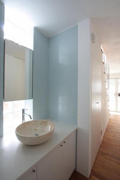 洗面スペース (光遊の家)