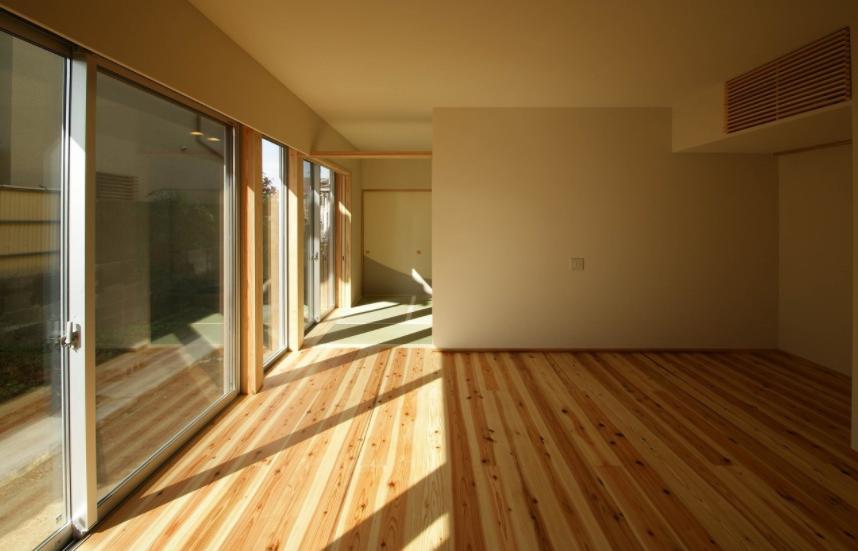 楠葉の家の部屋 明るいリビング1