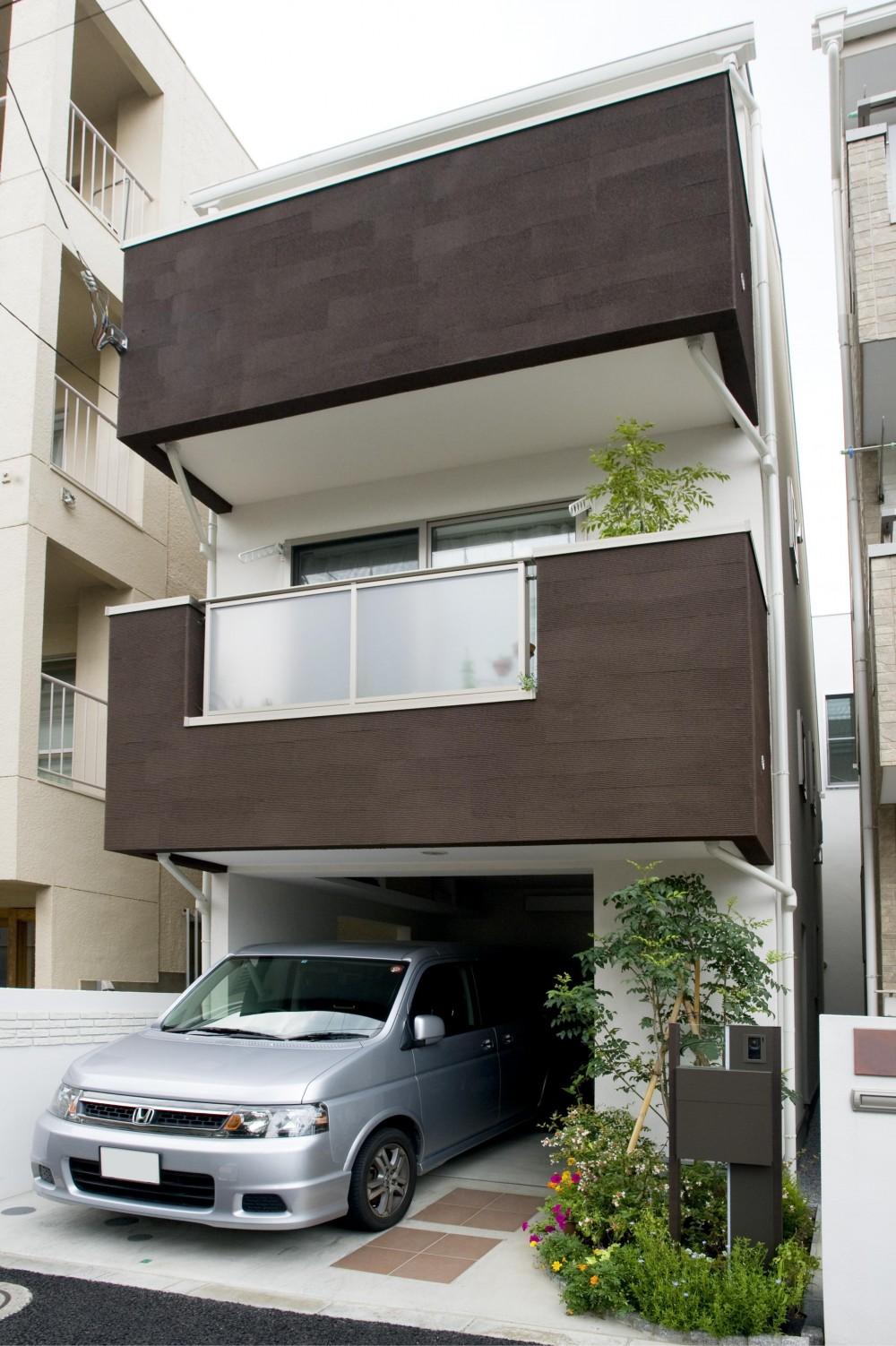 建築面積約9坪でここまで広い家 (外観)