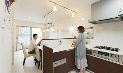 建築面積約9坪でここまで広い家 (キッチン)