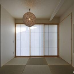 和室 (図書階段のある家)