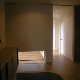 house @ fg (玄関-廊下入口open)