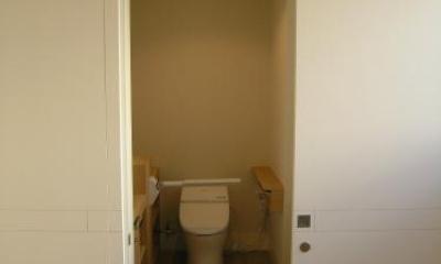 「車椅子対応住宅」 -モビリティハウスの試み- (トイレ1)