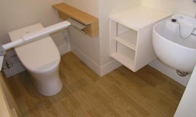 「車椅子対応住宅」 -モビリティハウスの試み- (トイレ2)