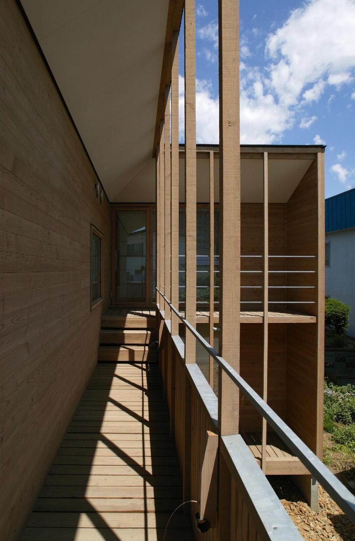 新川の家 (2階バルコニー2)