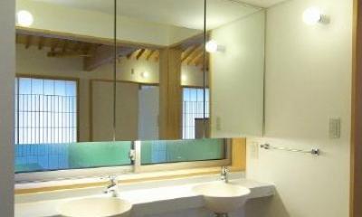 洗面所|玉村T邸・垂木舟底天井の快適平屋
