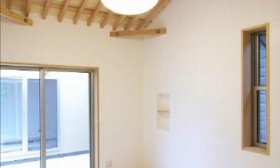ベッドルーム|玉村T邸・垂木舟底天井の快適平屋