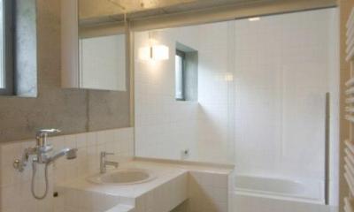 泉の家 (浴室・洗面)
