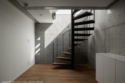 階段 (032熱海Oさんの家)