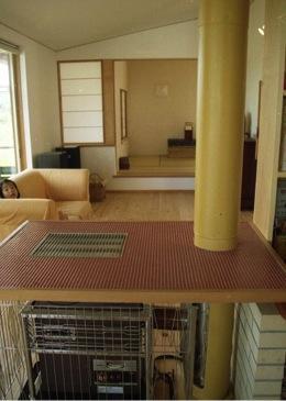 竜ヶ崎の家の部屋 ストーブのあるリビング2